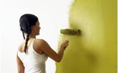 Πώς να ανανεώσετε το χρώμα εσωτερικών τοίχων: στοκάρισμα και βαφή