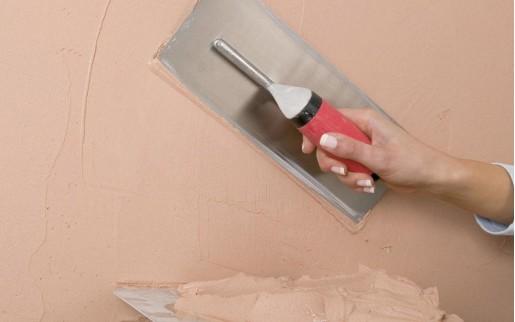Πως επισκευάζω τρύπες και ρωγμές στον τοίχο μου.?